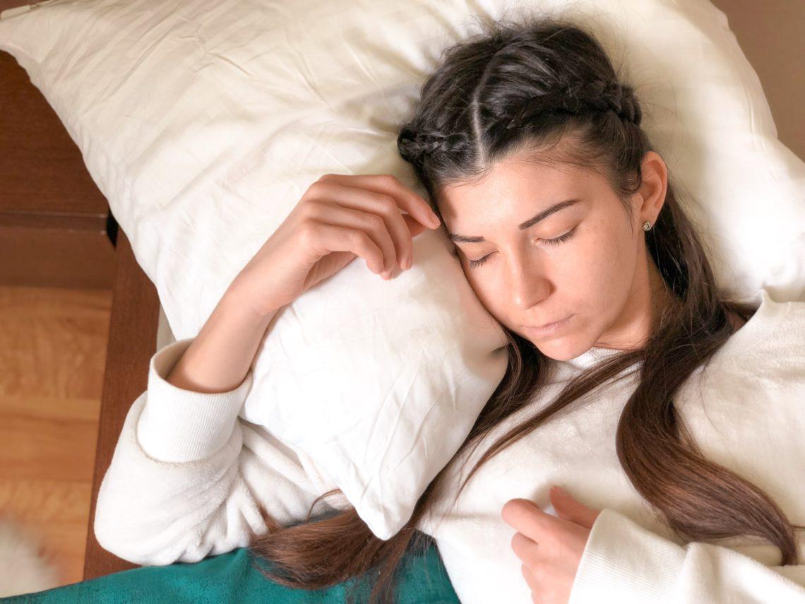 Marre de passer des heures à attendre le sommeil? Je te donne mes secrets pour t'endormir en moins de 10mn