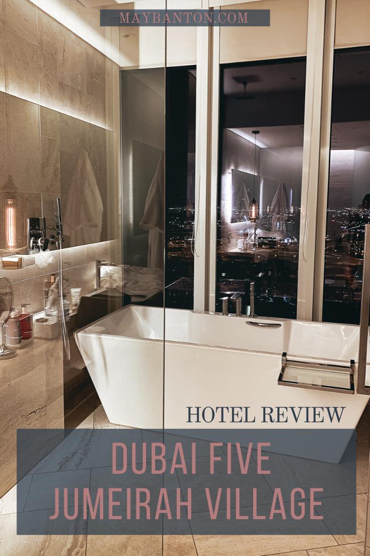 Dans cette review du célèbre hotel 5 étoiles Five Jumeirah Village à Dubaï, je te donne mon avis sincère sur ce que j'ai aimé et moins apprécié.