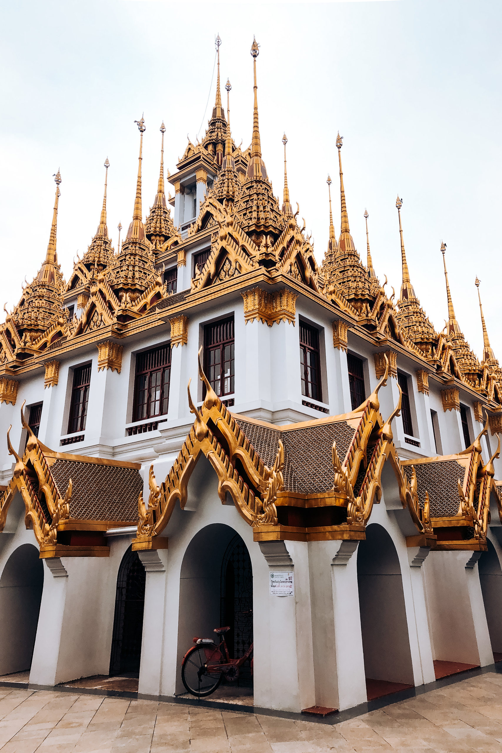 Wat Ratchanadda et Loha Prasat (The Metal Castle) Bangkok Thaïlande
