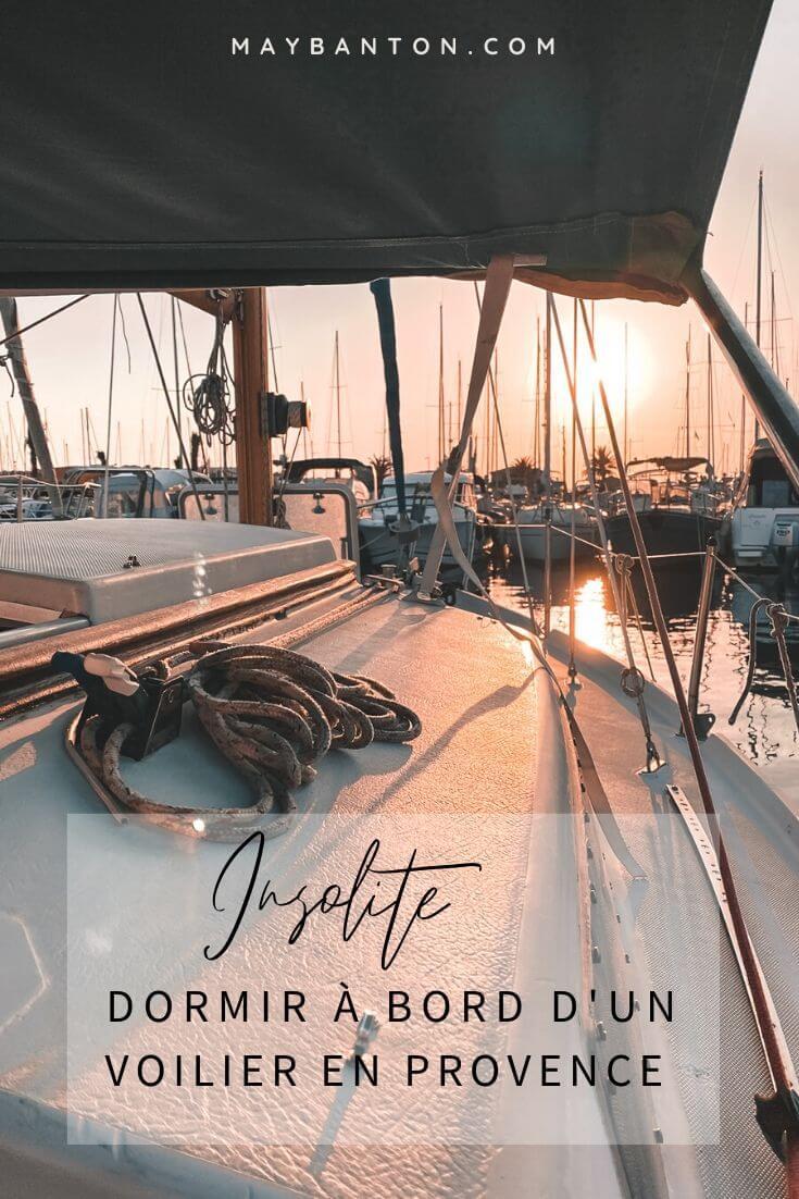 Tu cherches une expérience insolite et accessible ? Voici le récit de notre nuit à Bord de Junior, un voilier amarré à la magnifique île de Porquerolles.